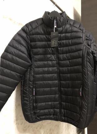 Черная куртка холлофайбер, новая!