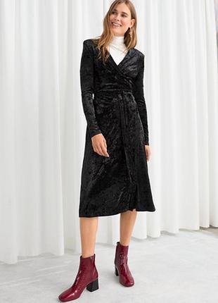 Оригинальное бархатное платье от бренда & other stories разм. 32