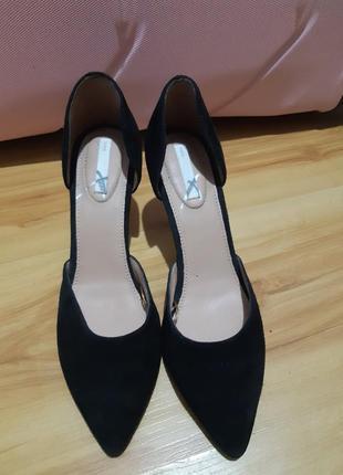 Замшевые туфли h&m   на небольшом каблуке
