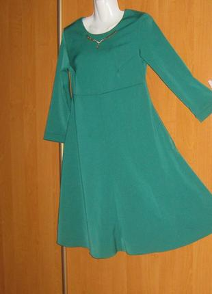 """Эффектное вечернее платье темно-зеленое """"под грудь"""", пышный клеш, на молнии сзади, плотное"""