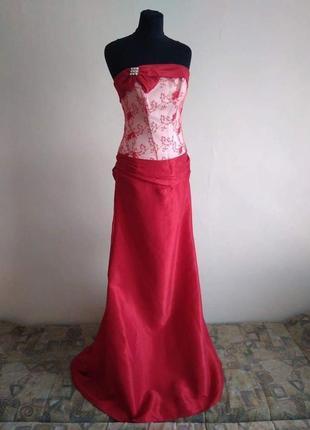 Вечернее платье для торжественного мероприятия, фотосессии