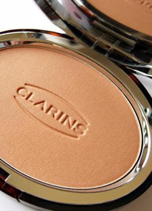 Пудра с эффектом загара clarins bronzing powder compact spf 15 сменный блок