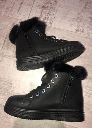Зимние ботинки на танкетке новые р. 38