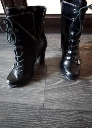 Ботинки, полусапожки новые р. 38