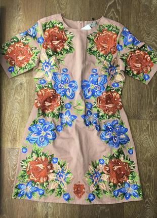 Безумно красивое , нарядное коттоновое платье