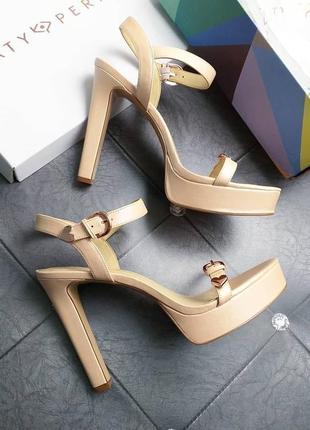 Katy perry оригинал бежевые босоножки на каблуке и платформе бренд оригинал из сша
