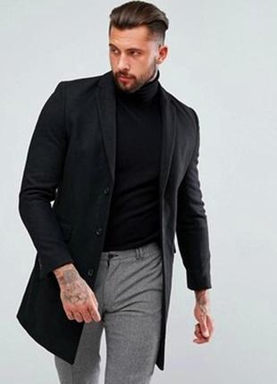 Приталенное  черное шерстяное идеальное пальто