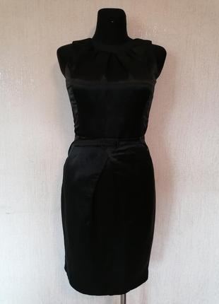 Элегантное классическое платье с поясом
