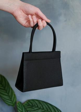 Чудесная маленькая сумочка клатч, короткие ручки