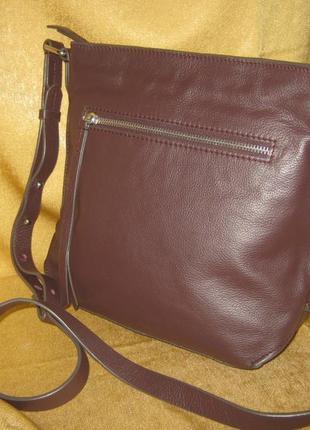 Clarks компактная кожаная сумка кроссбоди состояние новой но без бирки натуральная кожа