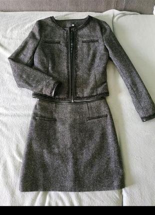 Костюм юбка и пиджак s/m