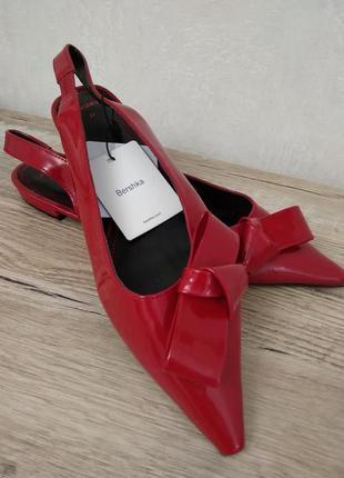 Туфли открытые bershka р.37 новые