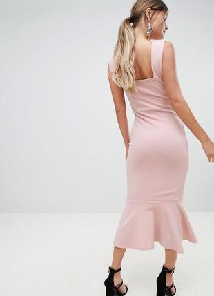 Нарядное платье миди
