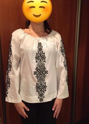 Вышиванка-блузка ручной работы