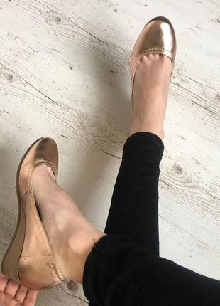 Новые натуральные фирменные туфли 36р.4 фото