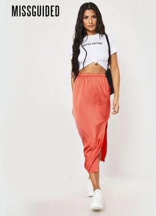 Новая коралловая юбка с разрезами по бокам missguided
