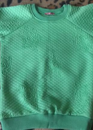 Свитер,  свитшот, толстовкв gusse очень красивого зеленого цвета с теснение розы