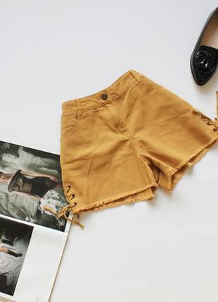 Классные джинсовые шорты с шнуровкой горчичные м 10