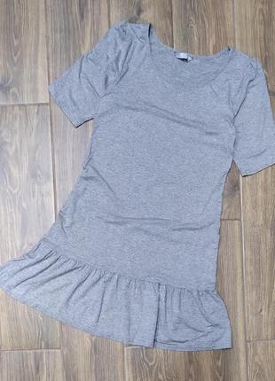 Платье футболка с рюшей