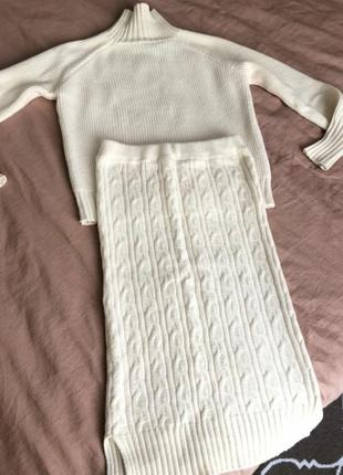 Костюм вязанный юбка и гольф