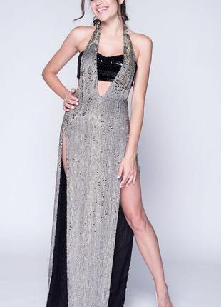 Экстравагантное вечернее платье