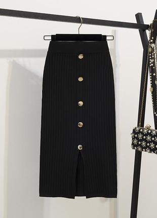 Трикотажная юбка -миди в рубчик на пуговицах