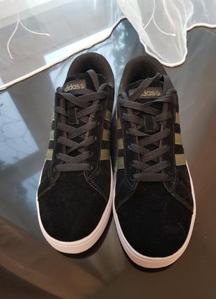 Черные бархатные кроссы adidas neo