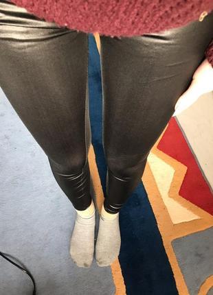 6. женские лосины с эффектом кожи10 фото