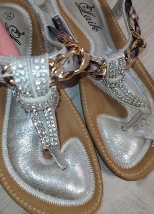 Очень красивые\комфортные\стильные \босоножки\серебро\р.36🧁