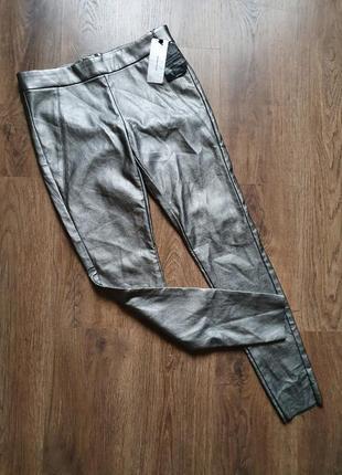 Стильные брюки из искусственной кожи сзади замочек размер м