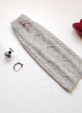 Серая тёплая трикотажная юбка миди
