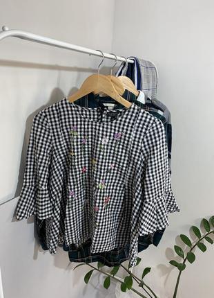 Блуза в клітку з вишивкою квіти від topshop до низу йде трапеція розмір – м