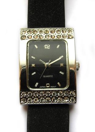 Moulin ltd часы с кристаллами из сша кожа механизм japan sii