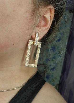 Металлические серьги с камнями / серьги по золото