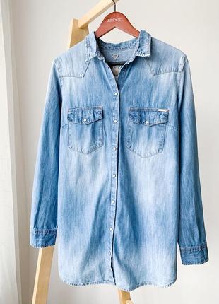 Джинсовая рубашка с вишивкой guess