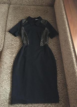 Интересное платье футляр миди