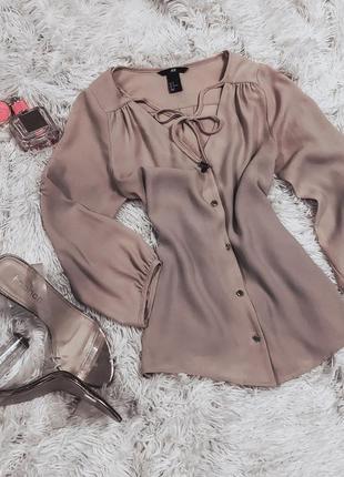 Очень красивая пудровая блуза на пуговичках