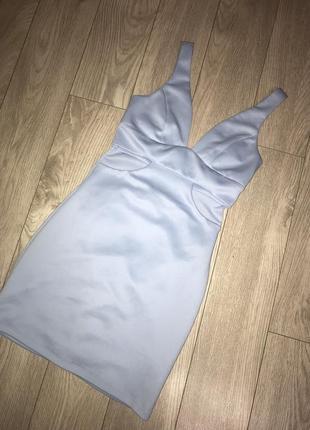 Платье небесно голубого цвета вечернее