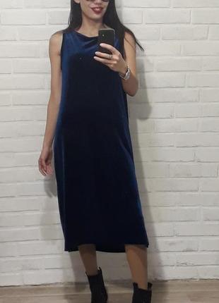 Стильное красивое бархатное платье