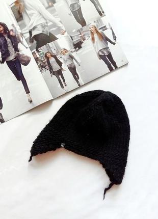 Черная шапка c ушками colins