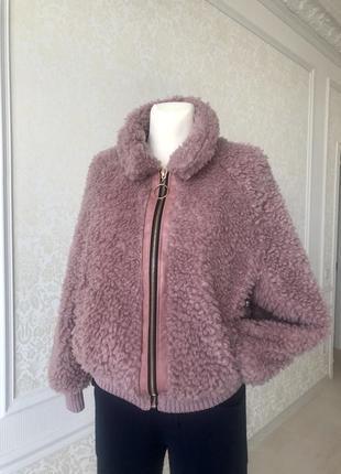 Куртка меховая под каракуль пудровая нежно розовая  на молнии s m