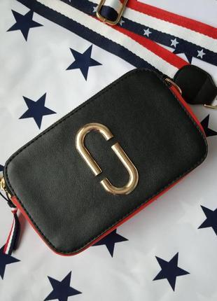 Маленькая женская прямоугольная сумка в стиле марк джейкобс черная