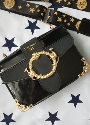 Маленькая женская лаковая сумка marc jacobs черная (дефект)