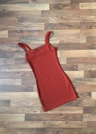 Стильное платье в рубчик цвет кирпичный коричневый s