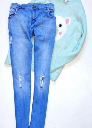 F&f.  классные джинсы с потертостями,скинни на 11-12 лет