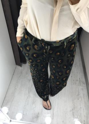 Велюровые необычные брюки
