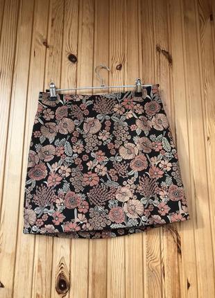 Нереально красивая жаккардовая мини юбка в цветочный принт new look