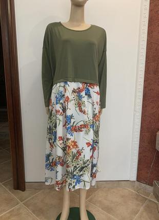 Стильное платье свободного кроя большого размера