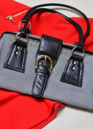 Стильна актуальна сумочка