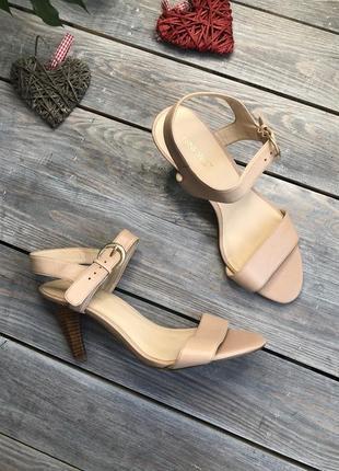 Nine west кожаные босоножки на фигурном каблуке